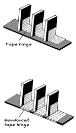domino_caption_tapehinge